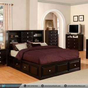 Tempat Tidur Jati Model Minimalis Berlaci